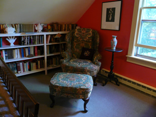 Maine room with chair